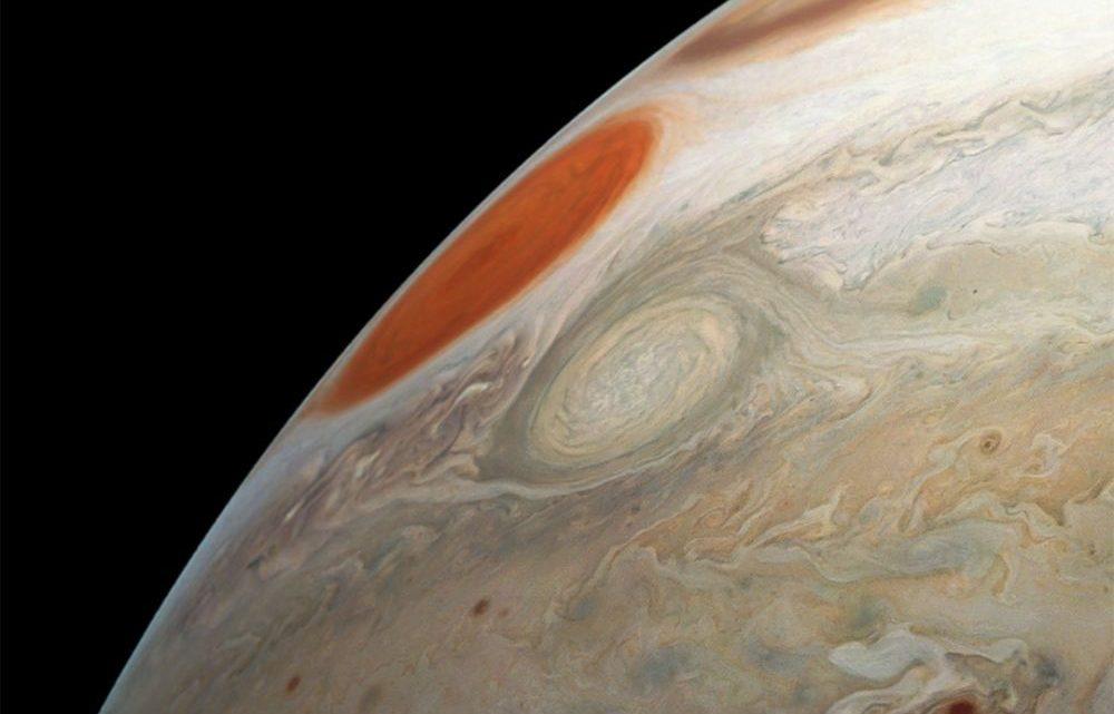 Jupiter : Juno continue son exploration et dévoile Ovale Ba