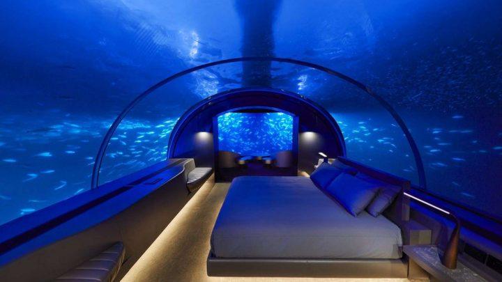 La première villa sous-marine vient d'ouvrir aux Maldives