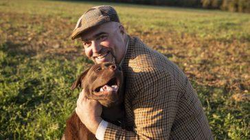 """Franck """"L'amour est dans le pré"""": Qui est le gentleman farmer de la saison 16!"""
