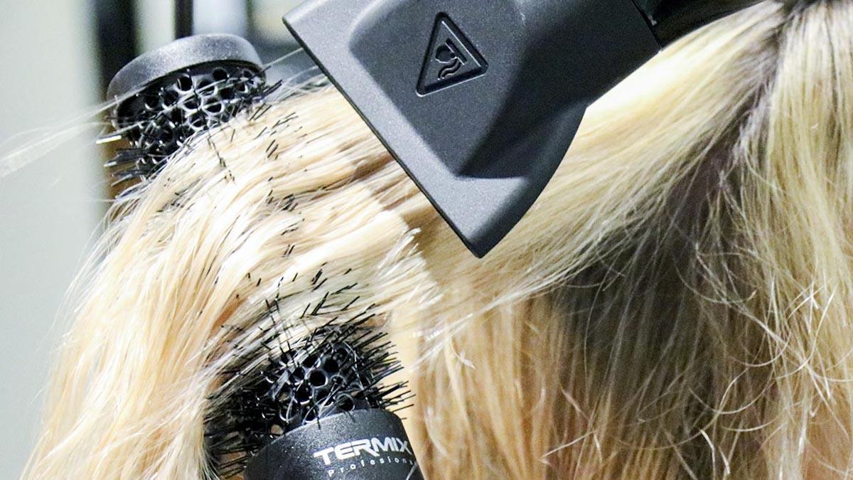 Sèche-cheveux: Vous ne l'utiliserez plus à après avoir vu ces expériences! (Vidéo)